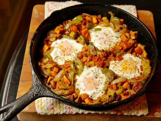 BREAKFAST HASH WITH SWEET POTATOES AND PEPPERS